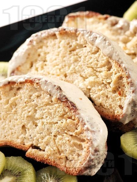 Кейк с банани, ябълки и сладко от боровинки - снимка на рецептата